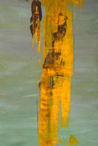 graugrüne Fläche (vertkal) mit senkrecht aufgetragenem goldfarbenem Spachtel, versetzt mit braun